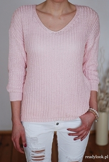 Co powiecie na taki uroczy, różowy sweterek?