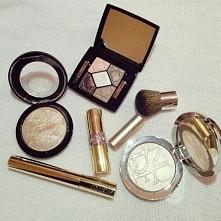 Make up essentials :)