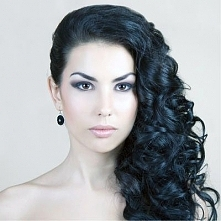 fryzura długa na bok