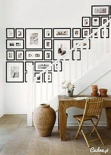 galeria przy schodach