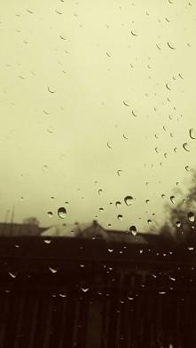 krople deszczu ;)