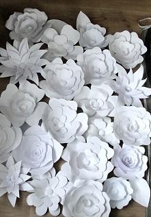 1m2 papierowych kwiatów ;-)