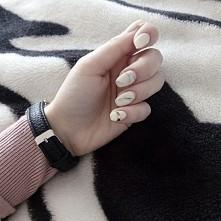 moje pierwsze paznokcie. ;)