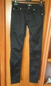Spodnie Rurki Damskie Czarne Małe 36 Nowe Mam na sprzedaż nowe spodnie rozmia...