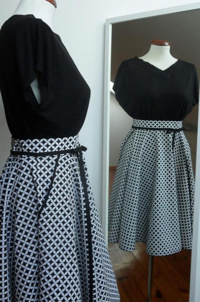 Bluzka + spódnica = sukienka  Więcej zdjęć na FB: @KushonaHandMade