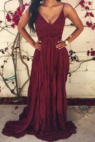 Burgundowa suknia dla druhny.