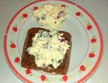 pyszna i prosta świąteczna sałatka z jajkiem. Szczegóły KLIK na zdjęcie:)