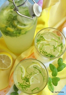 Lemoniada z miodem i cytryn...