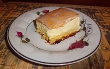 Ciasto z kremem migdałowym.