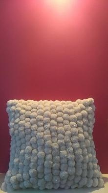 poduszka pompony
