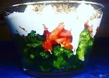 Sałatka z brokułem i serem feta. link w komentarzu :)
