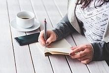 Jak spędzam wolny czas? Uwielbiam pisać wiersze i opowiadania