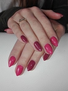 064 Pink Rose i 005 Berry Nude  Semilac :)