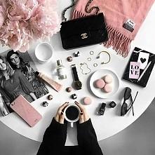 dziewczyny co obowiązkowo Wy nosicie w swojej torebce?