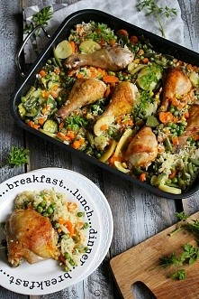 Fit obiad: Kurczak zapiekany z ryżem i warzywami - danie jednogarnkowe, prost...
