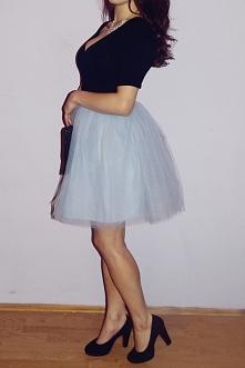 Tiulową spódnicę w kolorze baby blue uszyłam z czterech warstw tiulu ze sztyw...