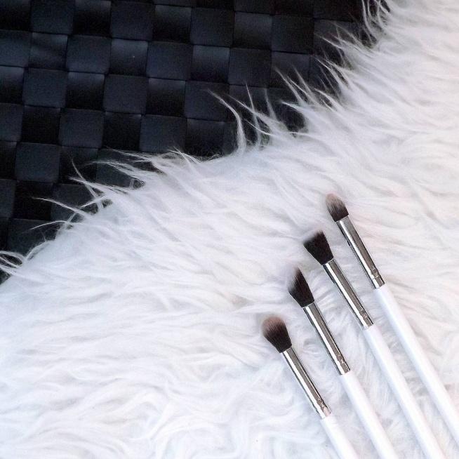 Pędzle do makijażu oczu - 2$ na #Aliexpress. Ładne, miękkie i wygodne!