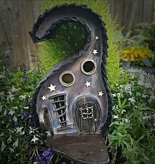 Karmnik dla ptaków.