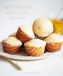 Muffinki z dżemem malinowym i cytrynowym lukrem