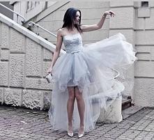 piękna sukienka i ten kolor