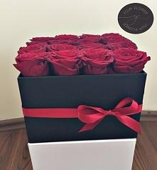 Kwiaty w pudełku na wyjątkowe okazje:) Zapraszam do naszego sklepu na Facebooku @yourflowerspl