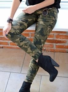 Militarne spodnie CLASSIC moro. Klasyczne, włoskie spodnie w stylu militarnym...