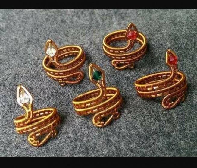 pierścionek wąż z drutu