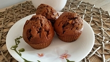 Przepis na zawsze idealne czekoladowe babeczki.  Klikamy w fotkę :)