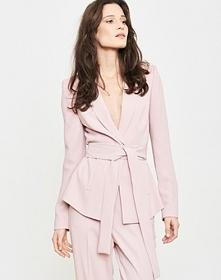 Świętuj Dzień Kobiet robiąc zakupy w Simple z rabatem aż 40% na nową kolekcję!  Chcesz być na bieżąco z najlepszymi okazjami? Obserwuj nas na insta/fb @wisebears.pl