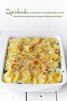 SKŁADNIKI 6 - 8 PORCJI 1/2 kg szpinaku1 kg ziemniaków2 łyżki masła1 mała ceb...