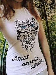 Co sądzicie o takiej koszulce? Własnoręcznie wykonana przeze mnie :) Wystawiona na sprzedaż