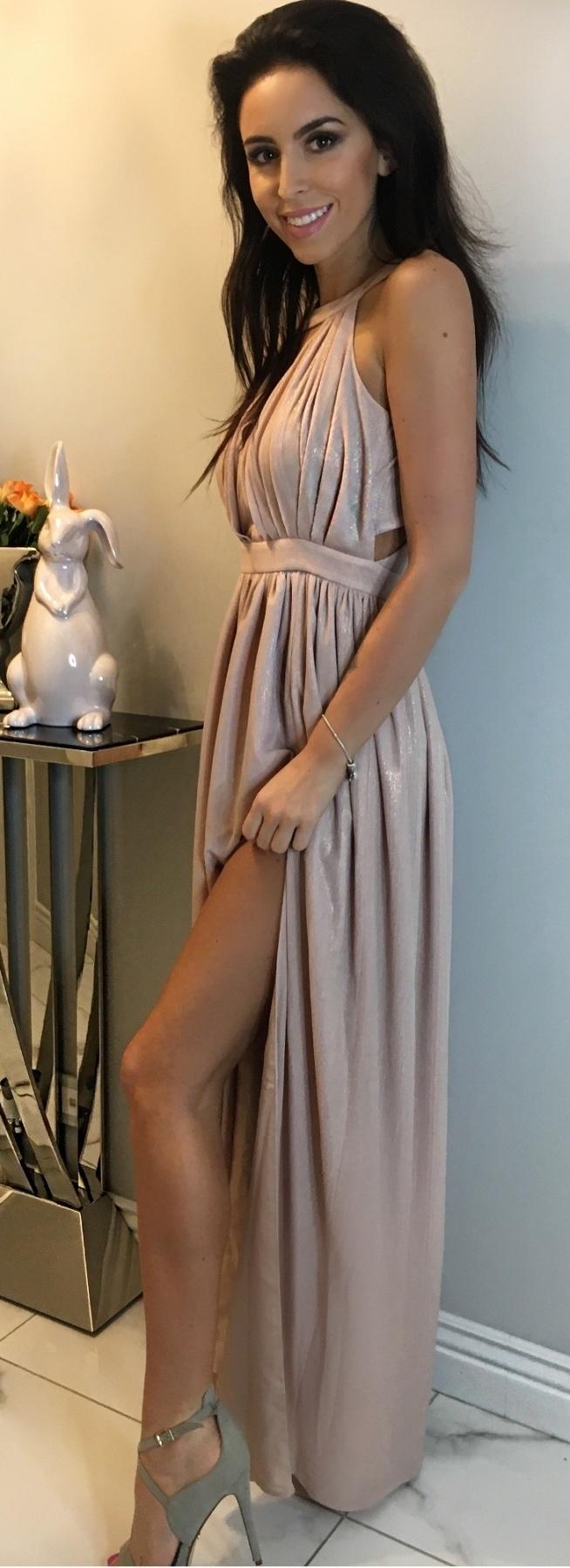 Długa mieniąca się sukienka z rozporkiem