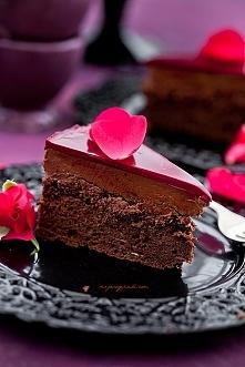 Tort czekoladowy z chrupiąc...