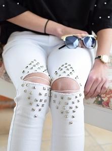 Białe spodnie rozcięcia ćwieki. Klasyczne spodnie typu rurki. Ottanta - sklep online