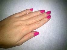 różowy manicure dla przywołania wiosny:) Szczegóły KLIK na zdjęcie;)