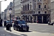 Hackney Cab na Regent Street w Londynie.