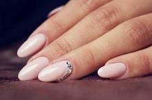 Jasne paznokcie - Kliknij w zdjęcie aby zobaczyć więcej