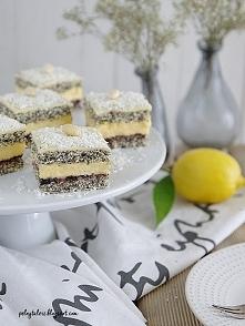 Mocno cytrynowe ciasto Makowa Panienka.  Przepis na blogu, po kliknięciu w zd...
