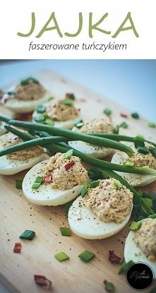 Jajka faszerowane tuńczykiem. Kliknij w zdjęcie i zobacz przepis.
