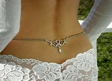 Zamiast tatuażu. .... można taką biżuterię założyć i zmieniać kiedy się chce. ...;)