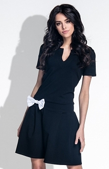 Fobya F374 sukienka czarna Dziewczęca sukienka, wykonana z miękkiej dresowej dzianiny, z krótkim rękawem
