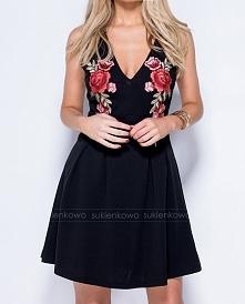 LUSI - sukienka z haftami czarna Kliknięcie w zdjęcie przeniesie bezpośrednio do produktu