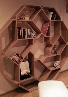Półka na książki własnego projektu :)
