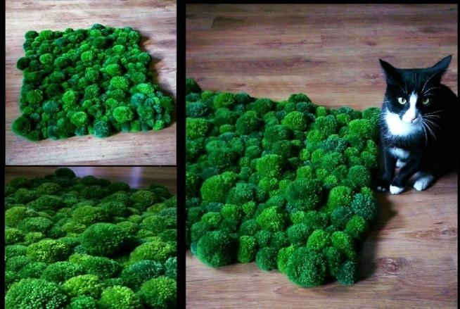 Puchaty dywanik jak mech zrobiony z pomponów :)