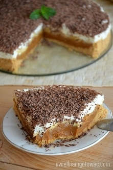 Banoffee Pie [tortownica o średnicy 23 cm] Składniki: 190 g herbatników 65 g ...