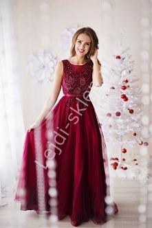 Suknia wieczorowa w kolorze bordowym