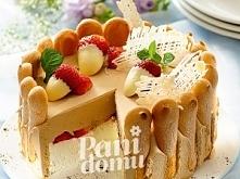 Tort kawowy z truskawkami