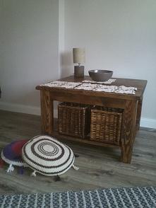 stylowy stolik kawowy do salun