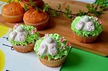 Wielkanocne babeczki z zajączkami - przepis z ze zdjęciami krok po kroku po kliknięciu na zdjęcie :)