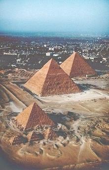 piramids.